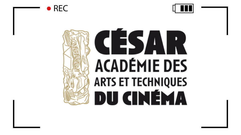 It is the logo of the French film award. It is a line drawing of the golden statue (which the winners receive) with the following text next to it: César Académie des Arts et Techniques du Cinéma.